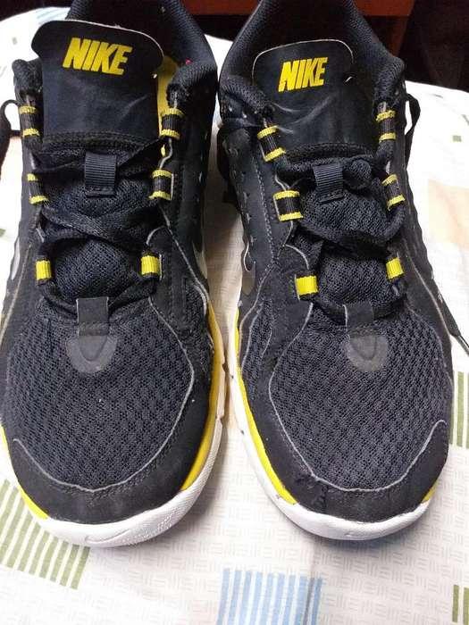 Nike Flex Supreme Talla 10.5 (44.5)
