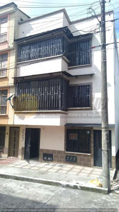 Venta Edificio de 3 aptos en Montenegro - wasi_909468