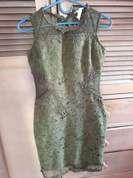 Vestido en torchon verde