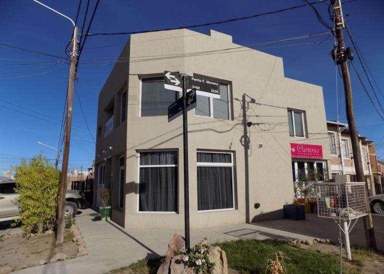 Casa en esquina - P. Moreno y Triunvirato - de 200 m2, con Local chico y terraza de 150 m2
