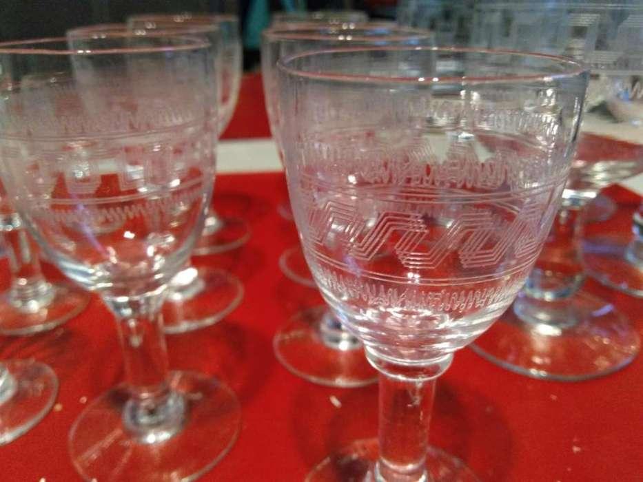 <strong>copas</strong> de cristal 18 en total de distintos tamaños