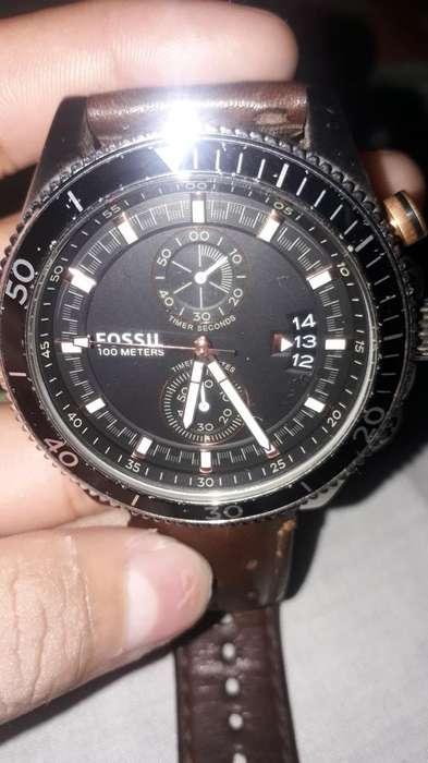 Vendo Reloj Fossil 90 Negociable