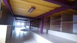 MAGNIFICA CASA COMERCIAL ESQUINERA. Frente TVentas Plaza de Toros.