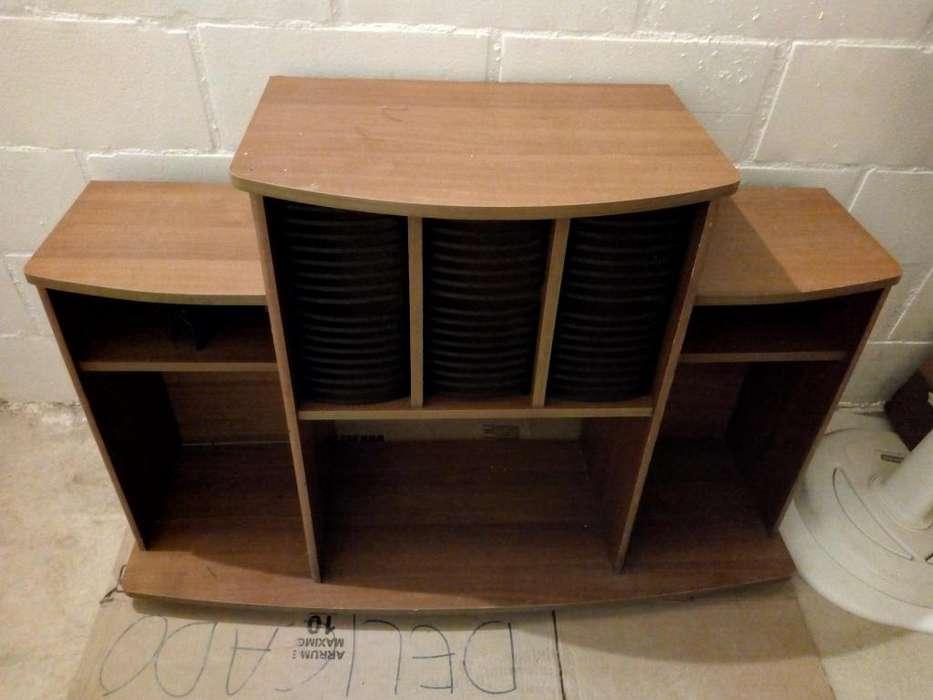 Mesa para equipo y tv