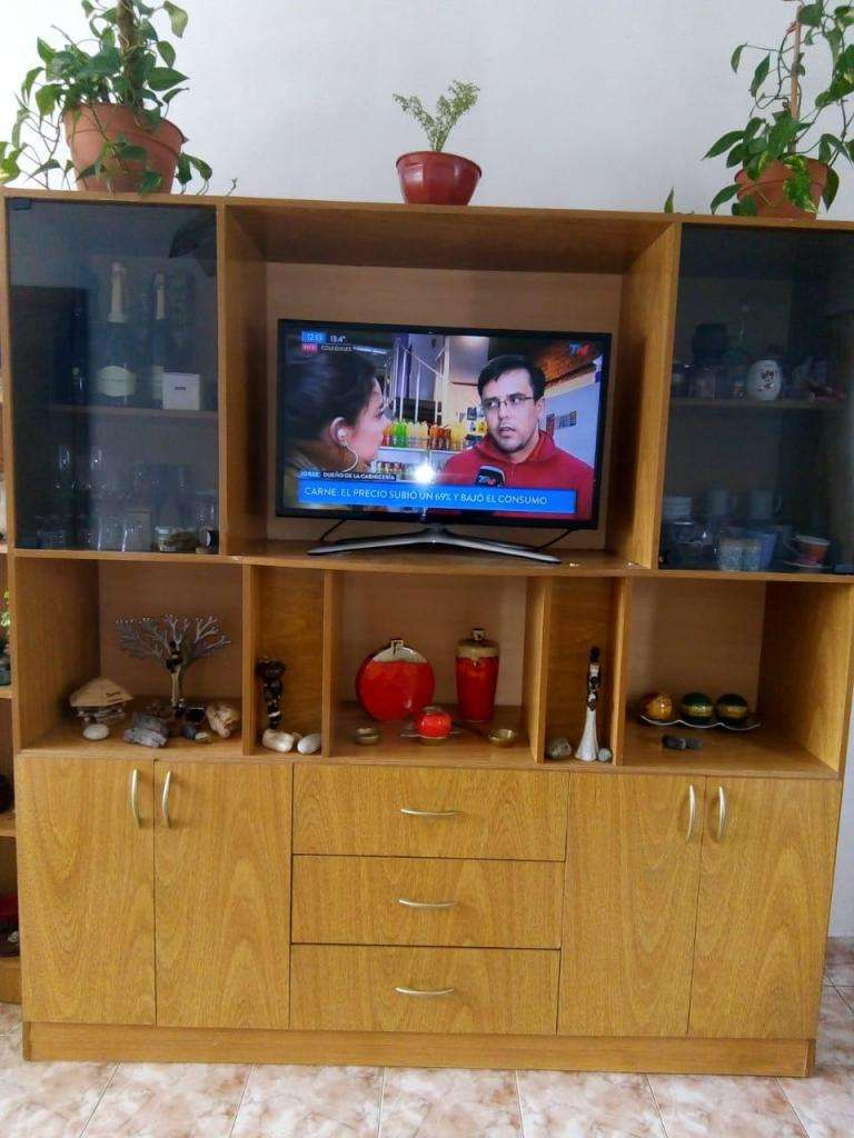 Mueble living muy buen estado 180 ancho x 188 alto x 44 prof