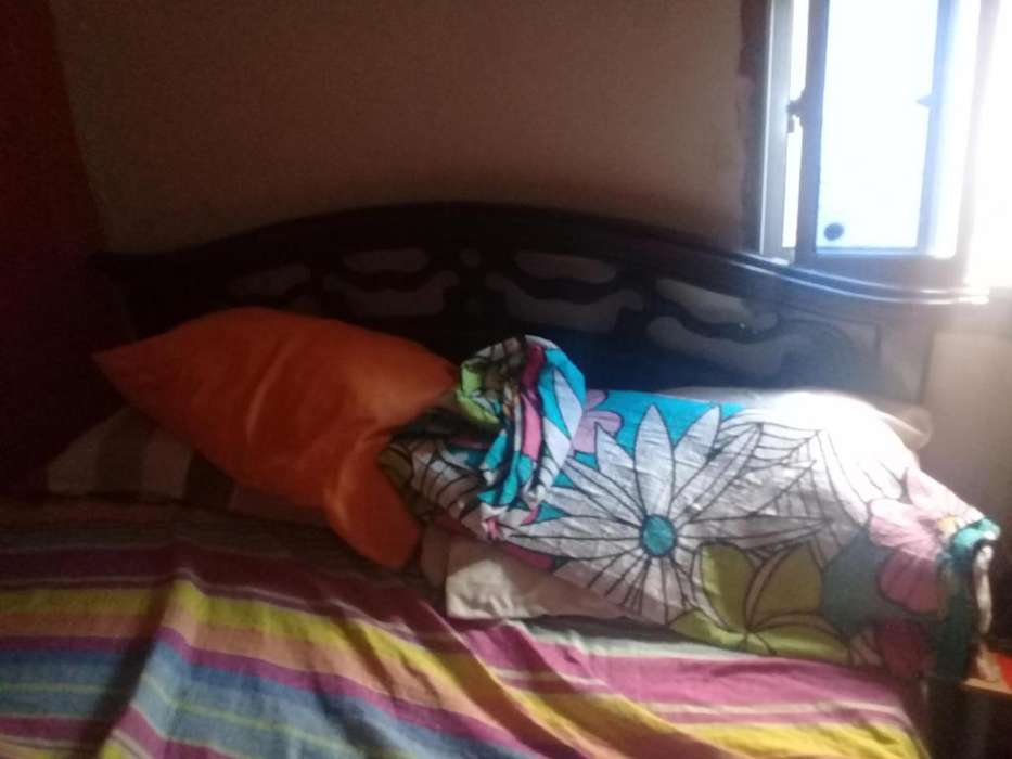 Hermosa cama doble