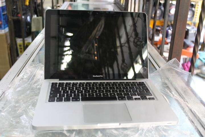 MacBook PRO apple mid 2011 core i5, 500GB, 4GB ram