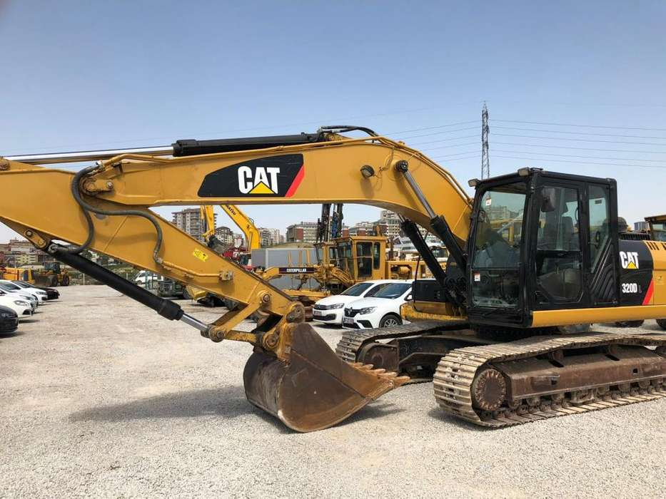 Excavadora CAT 320DL 2014 5000 horas