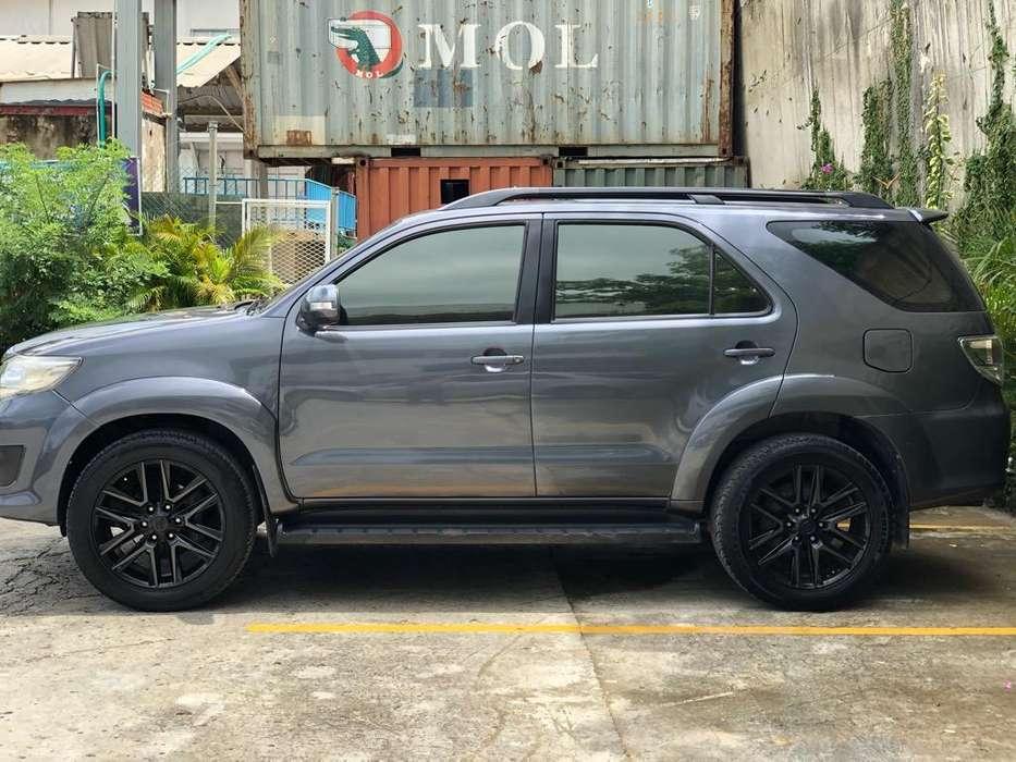 Toyota Fortuner 2014 - 100000 km