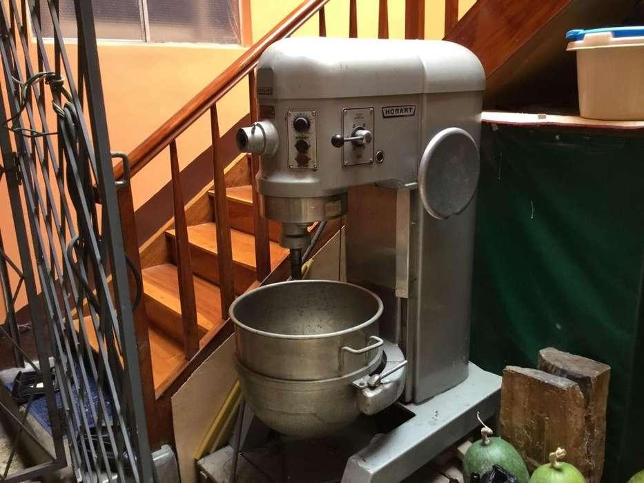 Vendo Maquina <strong>mezcladora</strong> de Panaderia y Pasteleria Semi Nueva