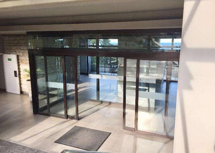 Hermoso departamento en alquiler de 4 ambientes en Edificio Torres del Golf