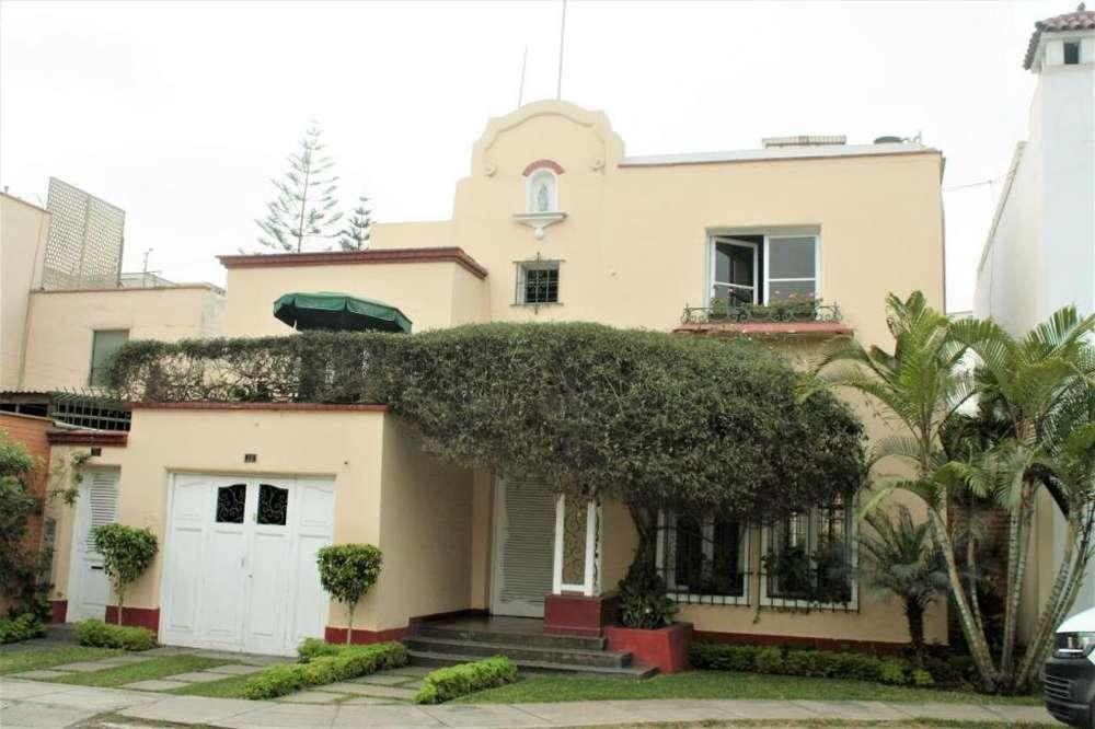 Casa ubicada en la mejor zona de San Antonio-Miraflores