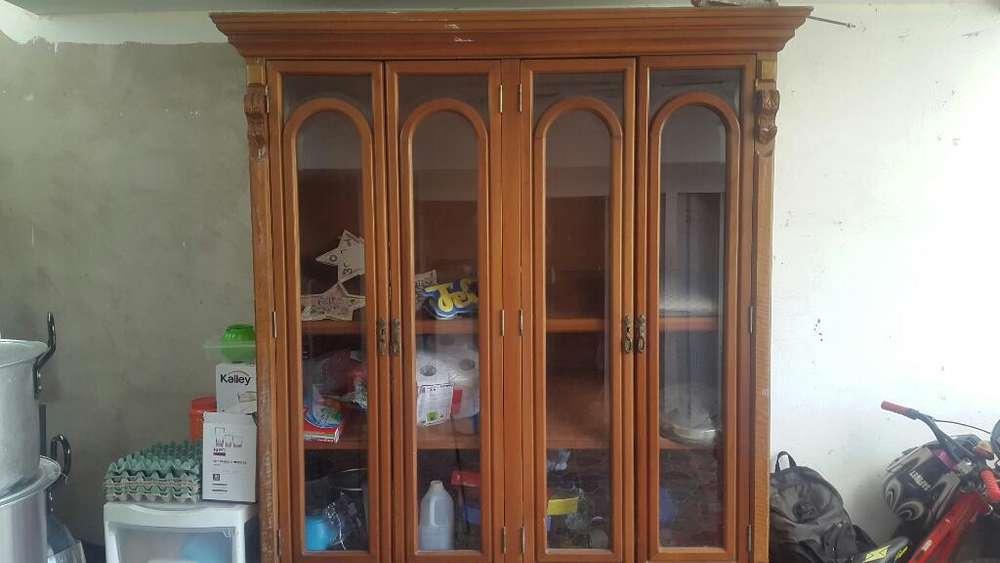 Vendo Mueble de Madera para Closet