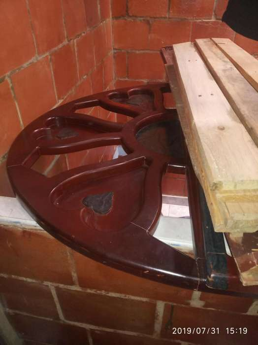Vendo cama de madera 130 de ancho por 190 de largo