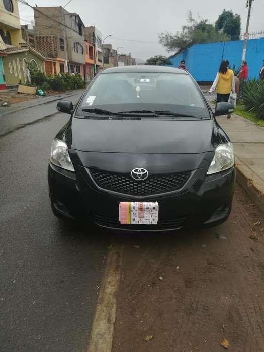 Toyota Yaris 2012 - 73000 km