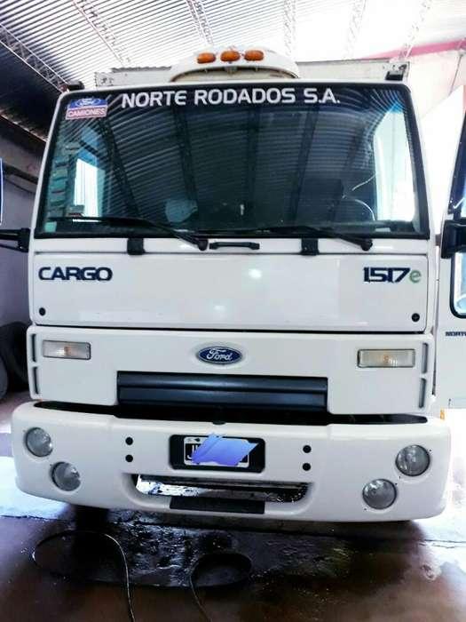 Camión Ford Cargo 1517 con Semitermico