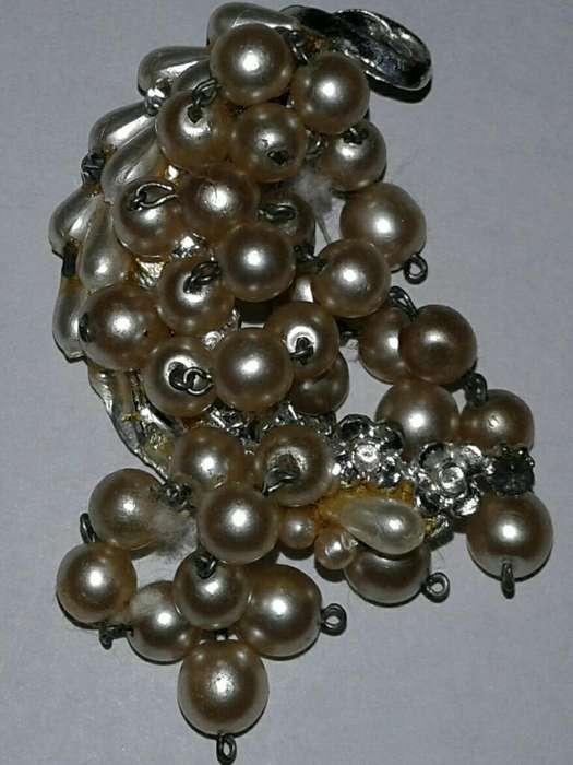 Prendedor Antiguo con Perlas