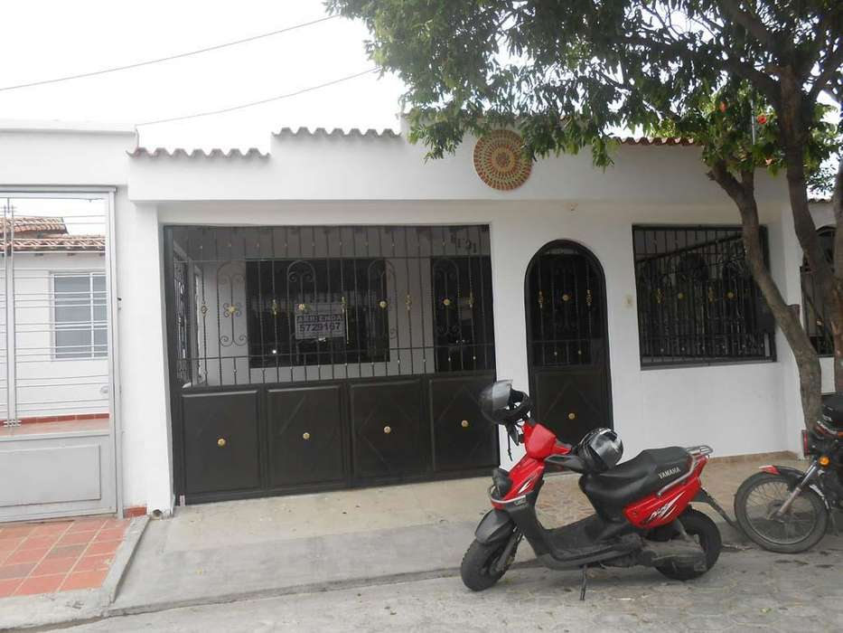 Se Arrienda <strong>casa</strong> en Prados del Este, Código: 602