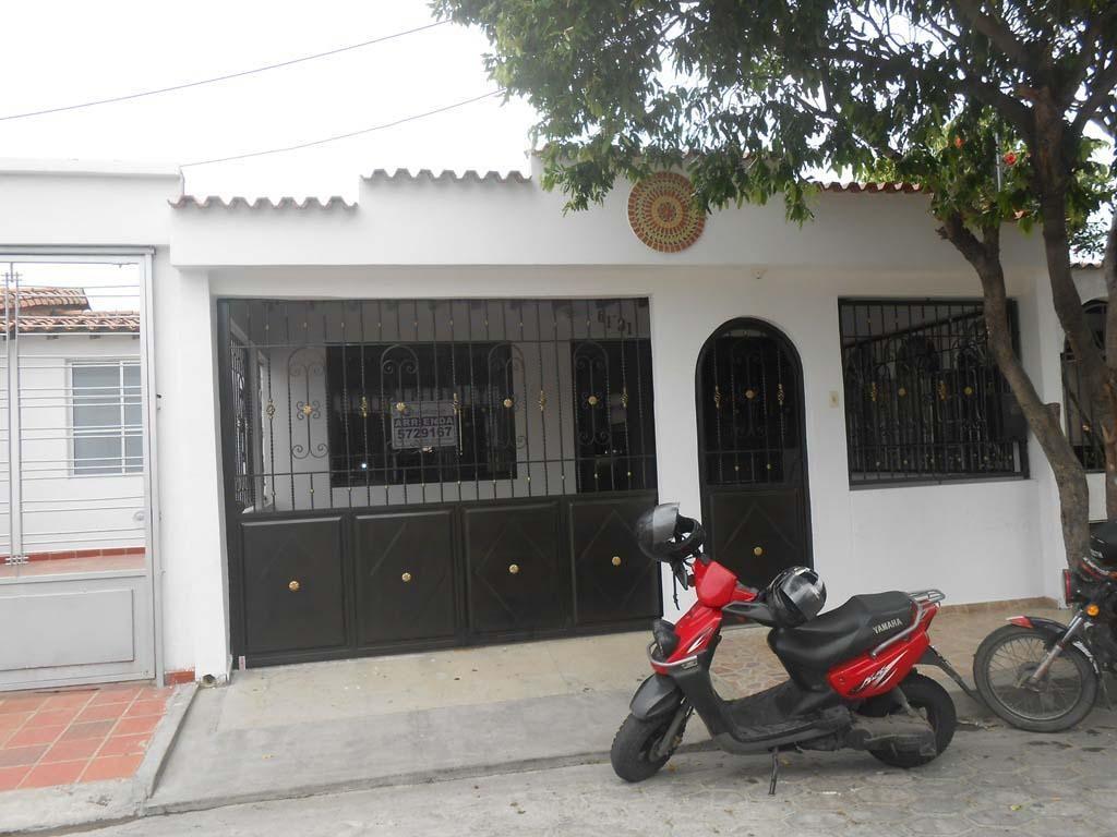 Se Arrienda Casa en Prados del Este, Código: 602