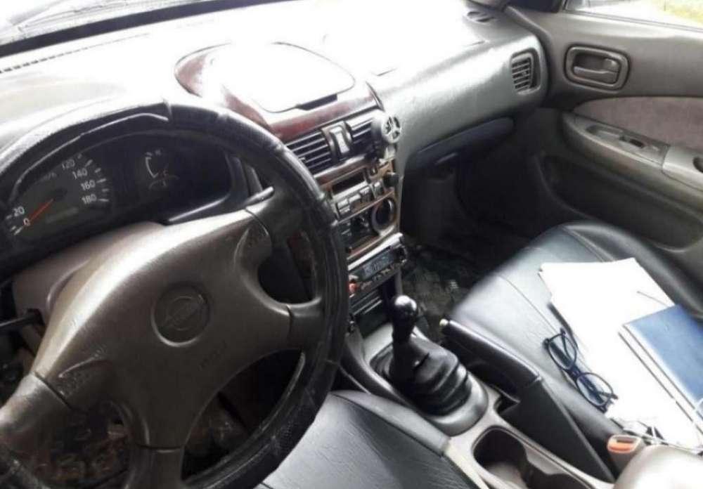 Nissan Sunny  2000 - 185000 km