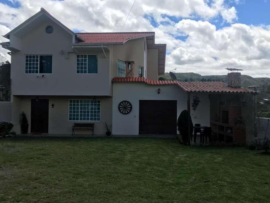 Casa Amueblada Sector Capulispamba Centro de Revisión Vehicular