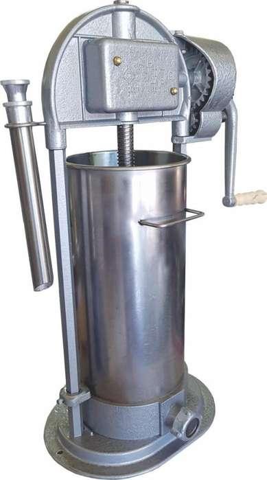 Embutidora Industrial Vertical 15 Kg nuevas super oferta