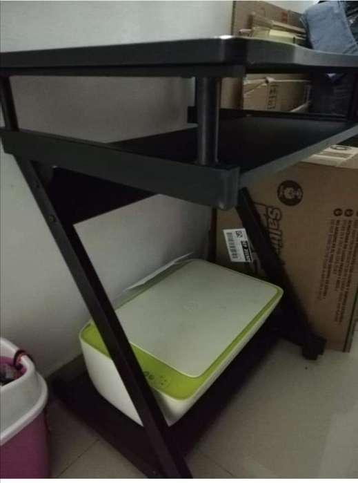 <strong>escritorio</strong> en Buen Estado.. sin Impresor