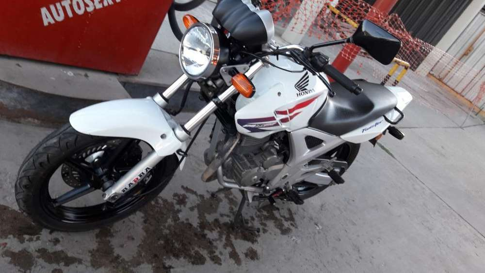 Vendo <strong>honda</strong> Twister