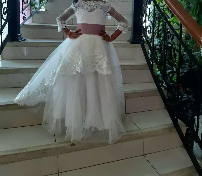 Hermoso Vestido Color Ivory Con Liston Palo Rosa Ropa Y