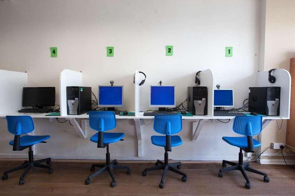 Oferta para Cafe Internet 5 Computadoras