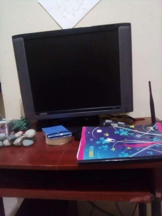 Computador de Mesa en Buen Estado
