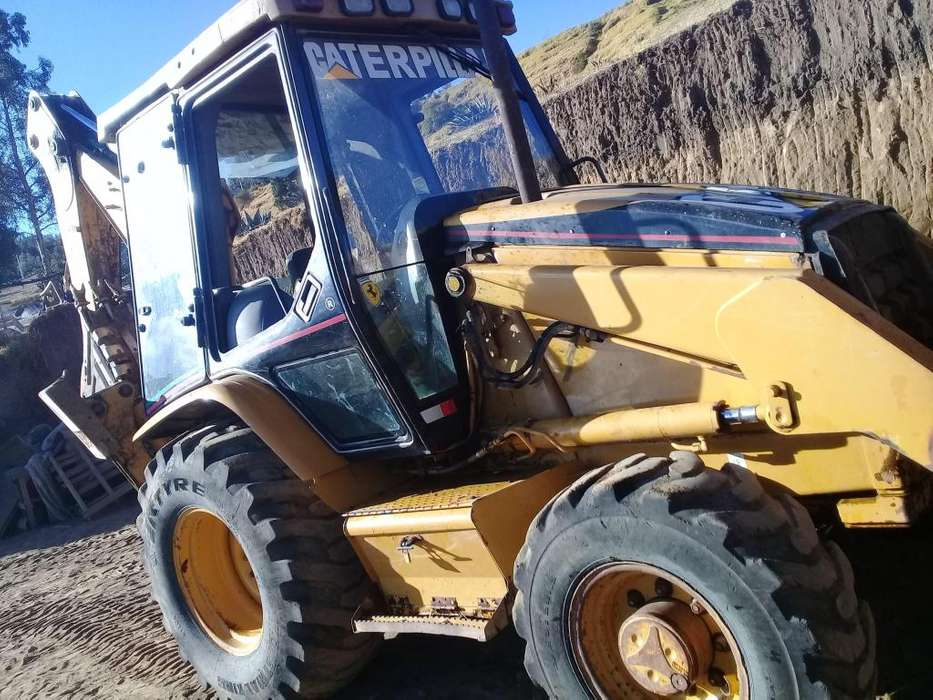 SE VENDE RETRO EXCAVADORA CAT 420D