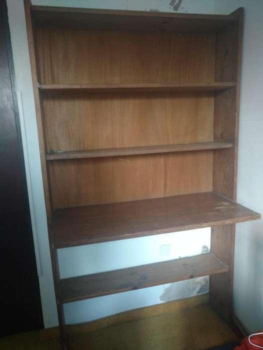 <strong>escritorio</strong> madera maciza con repisas
