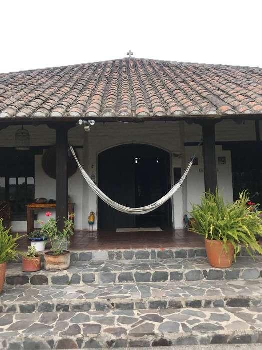 Venta Quinta en Guayllabamba, Propiedad espectacular. Informes 0999705906