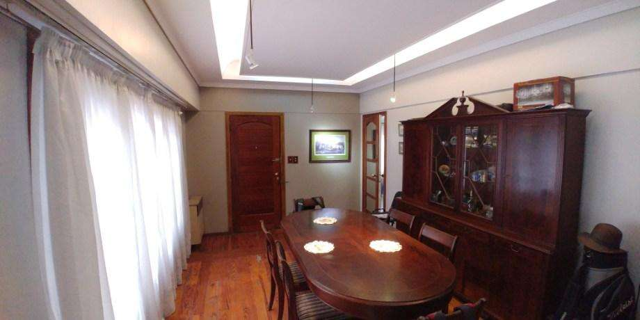 Casa con Departamento en venta en Lanus Este