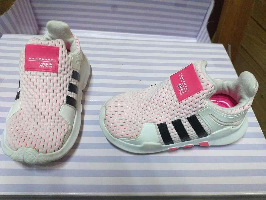 Vendo Zapatillas Adidas Kids Talla 21