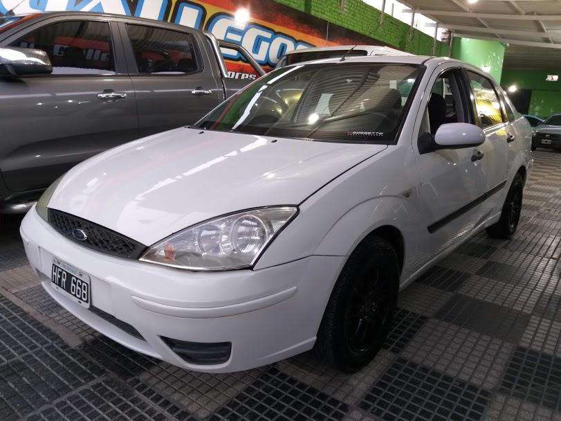 <strong>ford</strong> Focus Sedán 2009 - 170000 km