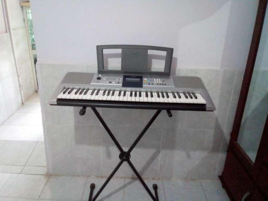 Vendo Organeta Marca Yamaha