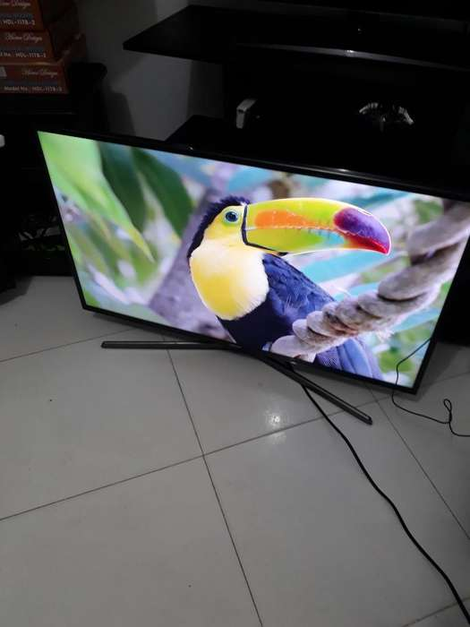 Smart Tv Samsung 43 Pulg 4k Uhd Tdt