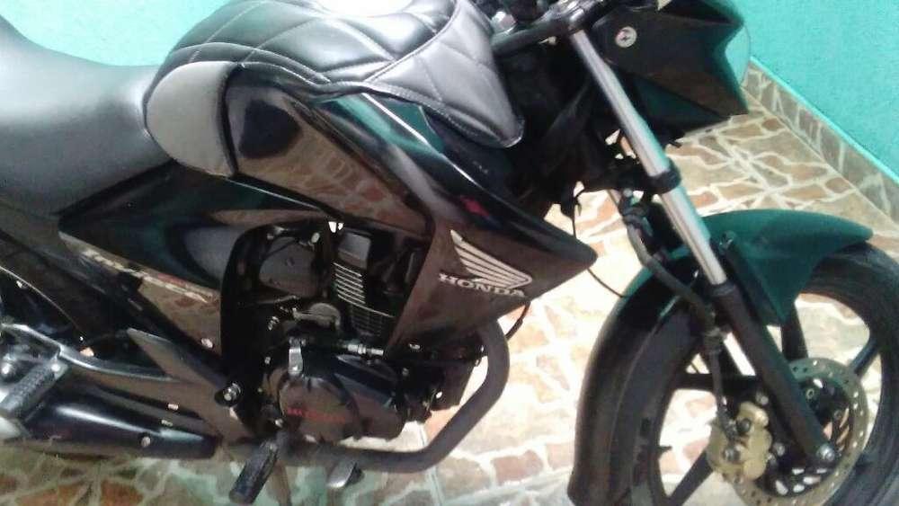 Vendo Moto en Perfecto Estado Unico Dueñ
