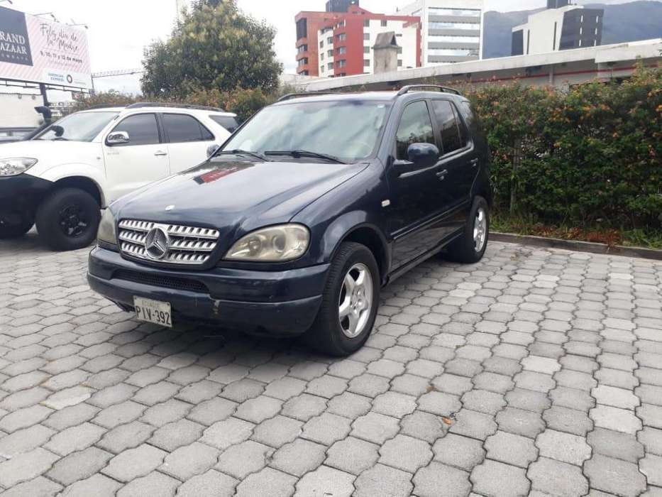 Mercedes-Benz ML 2001 - 200000 km