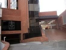 CHICO, VENDO OFICINA UBICADA EN SECTOR EXCLEUSIVO DE BOGOTA