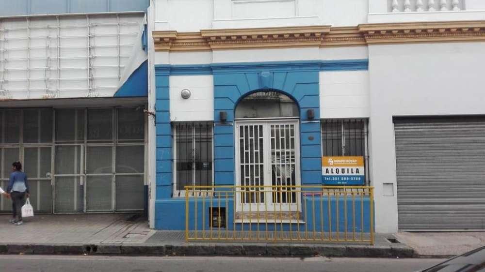 ALQUILO CASONA Bº CENTRO PARA USO COMERCIAL - IDEAL CAPACITACION, EDUCATIVOS, ETC.