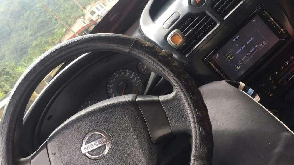 Nissan Almera  2007 - 200000 km