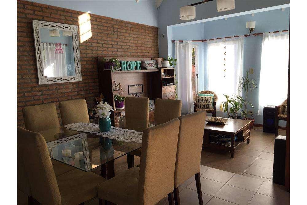 Venta Casa Bouchard 1800 Garita 10 Funes