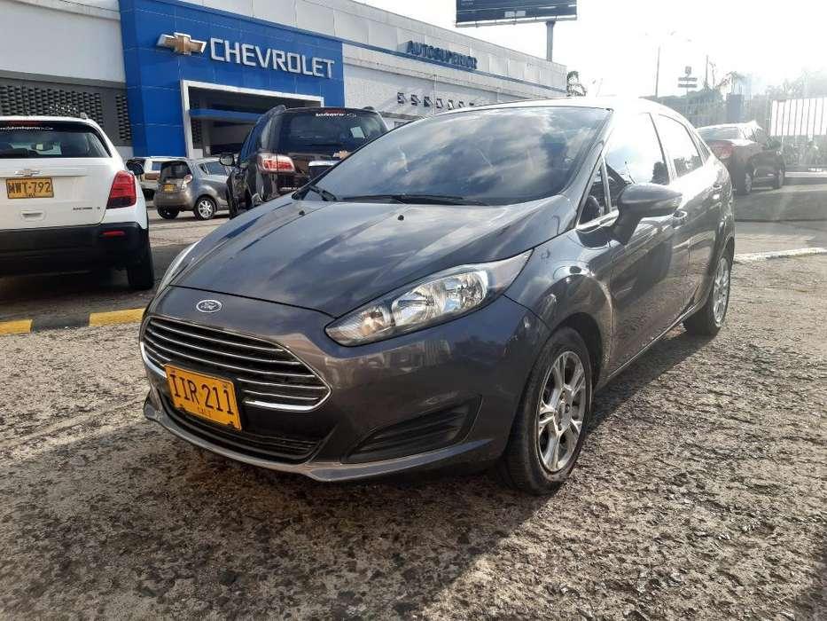 Ford Fiesta  2015 - 50000 km