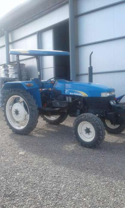 <strong>tractor</strong> NEW HOLLAND