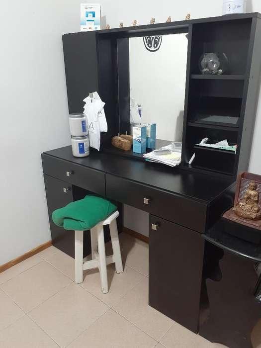 Mueble Maquillador con Espejo