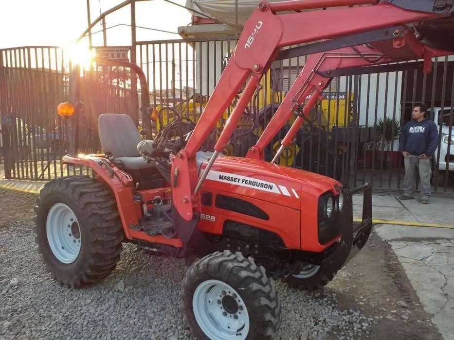 Tractor Agricola Massey Ferguson 1528