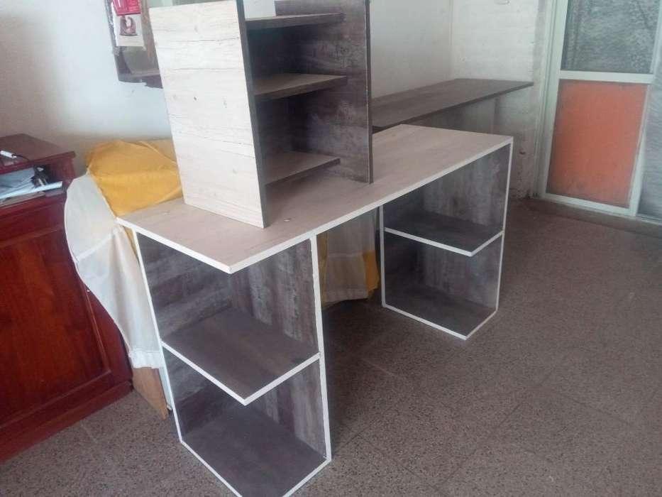 Vendo <strong>escritorio</strong> Mas Mesa de Luz